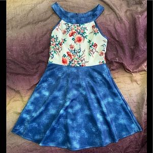New 579 Floral Print Dress Keyhole Back